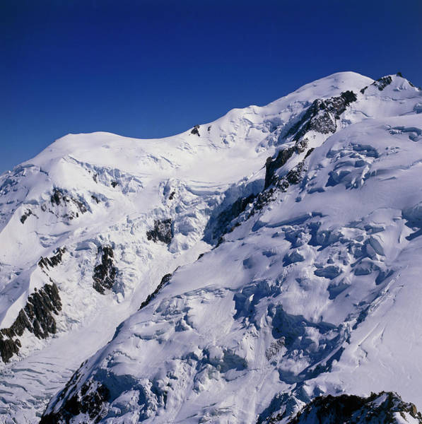 Mont Blanc Wall Art - Photograph - Summit Of Mont Blanc by Simon Fraser/science Photo Library