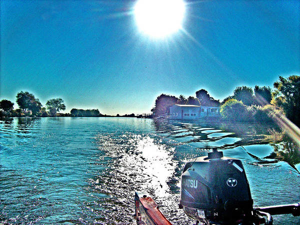 Photograph - Sun Dancing On The Water With Floyd by Joseph Coulombe