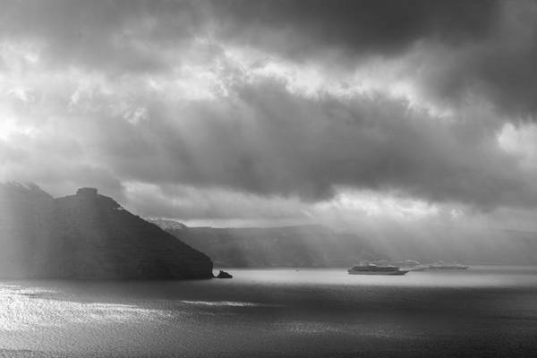Photograph - Sun Rays Santorini by Brian Grzelewski