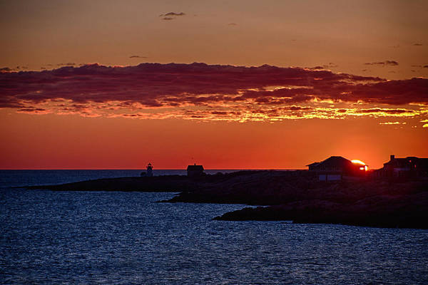 Photograph - Sun Rising Over Straightsmouth Light by Jeff Folger