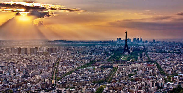 Photograph - Sunburst Over Paris / Paris by Barry O Carroll