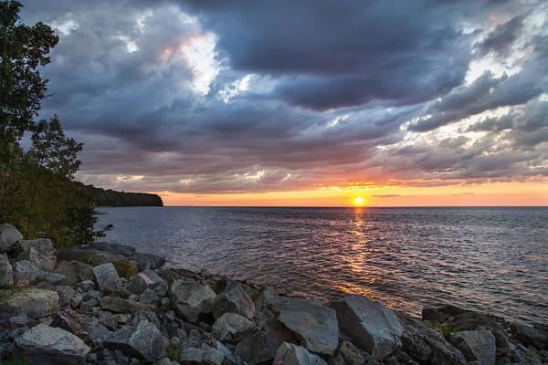 Wi Photograph - Sundown Bay by Bill Pevlor