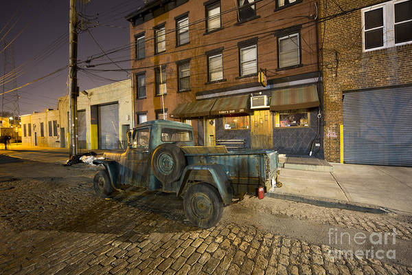 Photograph - Sunny's Bar by Leslie Leda