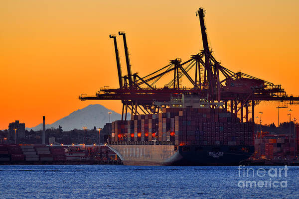 Port Of Vancouver Wall Art - Photograph - Sunrise At Port Of Vancouver by Terry Elniski