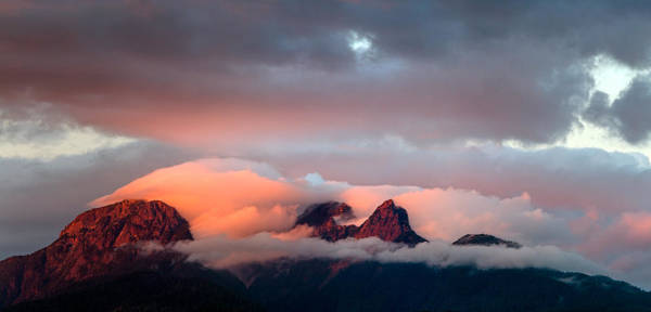 Metro Vancouver Wall Art - Photograph - Sunset On The Golden Ears by Michael Russell