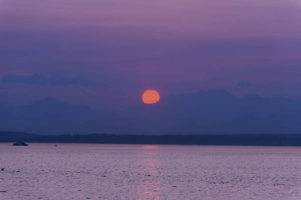 Elliot Bay Wall Art - Photograph - Sunset Over The Olympic Mountains by Jim Tobin