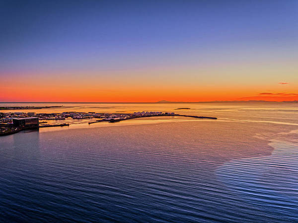 Harbour Island Photograph - Sunset Over The Outer Harbor by Panoramic Images