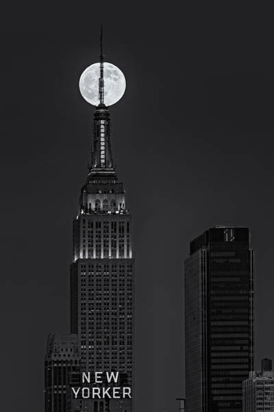Photograph - Super Moon In An Empire State Of Mind Bw by Susan Candelario