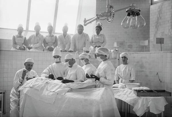 Lessons Photograph - Surgical Lesson by Library Of Congress
