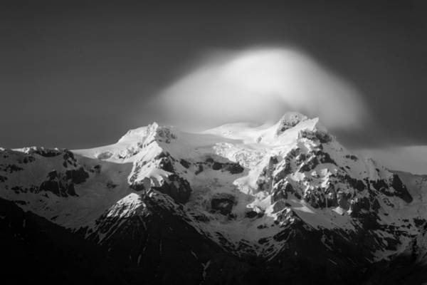 Forming Wall Art - Photograph - Svinafell Mountains by Dave Bowman