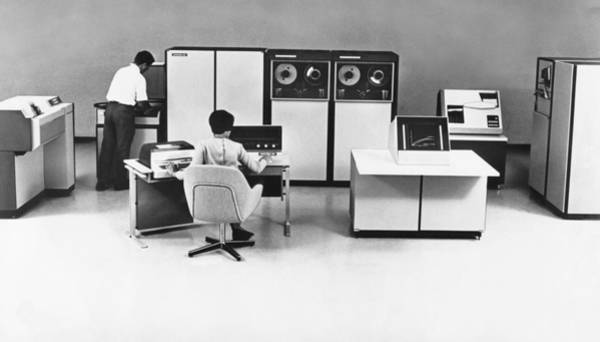 Wall Art - Photograph - Systems 86 Computer System by Underwood Archives