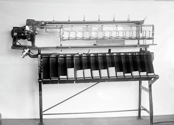 Wall Art - Photograph - Tabulating Machine by Library Of Congress/science Photo Library