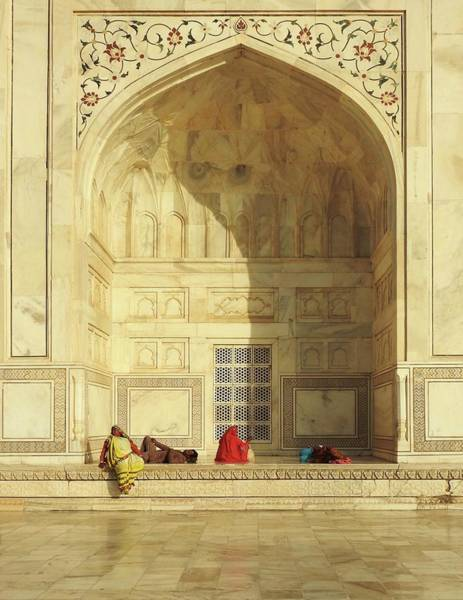Arch Wall Art - Photograph - Taj Mahal (the Esplanade) by Roxana Labagnara