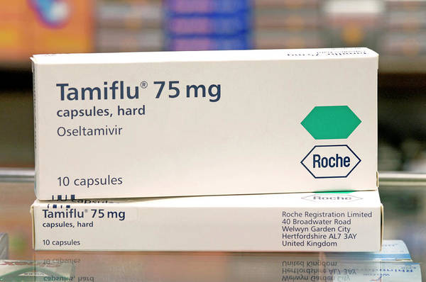 Prophylactic Photograph - Tamiflu Influenza Drug by Mark Thomas/science Photo Library