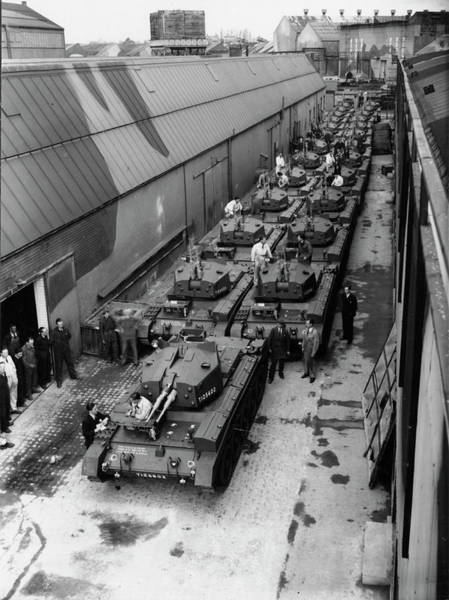 Wall Art - Photograph - Tank Production At A Car Factory by Oxford University Images/science Photo Library
