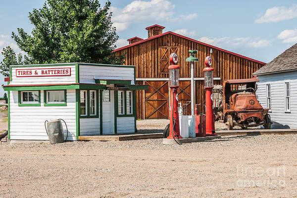 Photograph - Texaco And Mack by Sue Smith