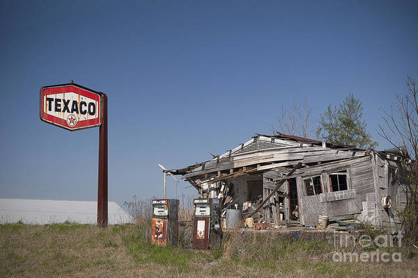 Photograph - Texaco Country Store by T Lowry Wilson