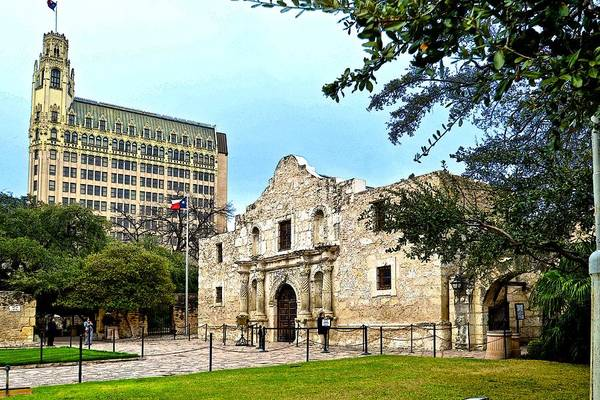 Photograph - The Alamo by Ricardo J Ruiz de Porras