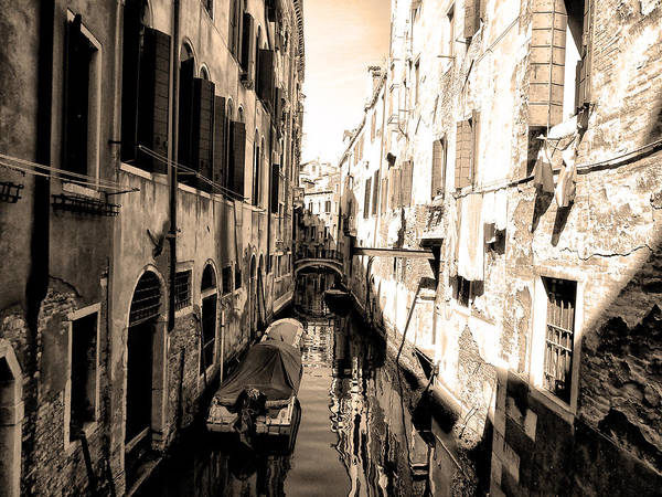 Photograph - The Back Canals Of Venice by Bill Cannon