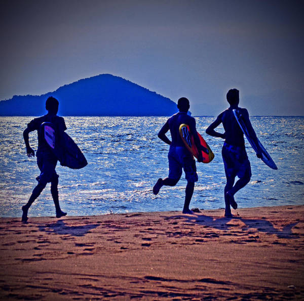 Run Photograph - The Beach Boys by Carlos Alkmin