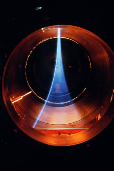 Livermore Wall Art - Photograph - The Blue Haze Of A Hydrogen Isotope Plasma by U.s. Dept. Of Energy/science Photo Library