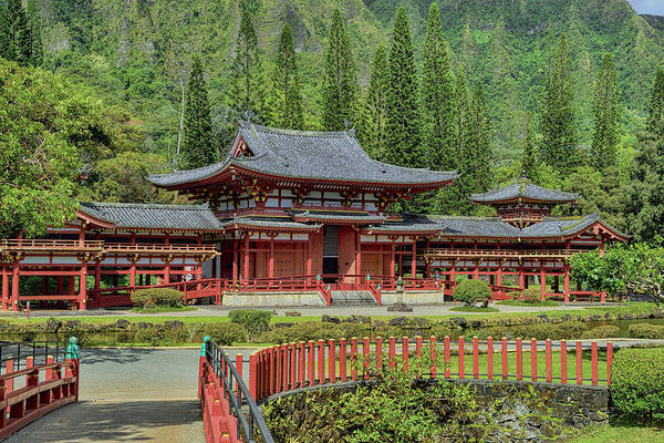 Photograph - The Byodo-in Temple  by Bill Dodsworth