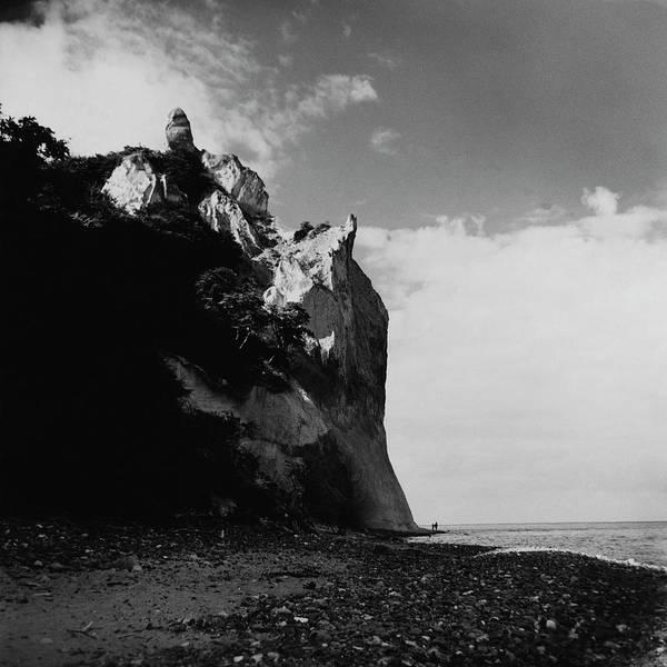 Travel Destinations Photograph - The Chalk Cliffs by Horst P. Horst