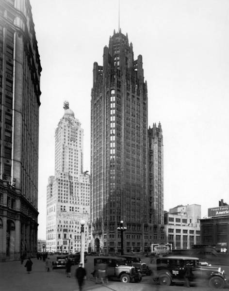Chicago Tribune Wall Art - Photograph - The Chicago Tribune Building by Underwood Archives
