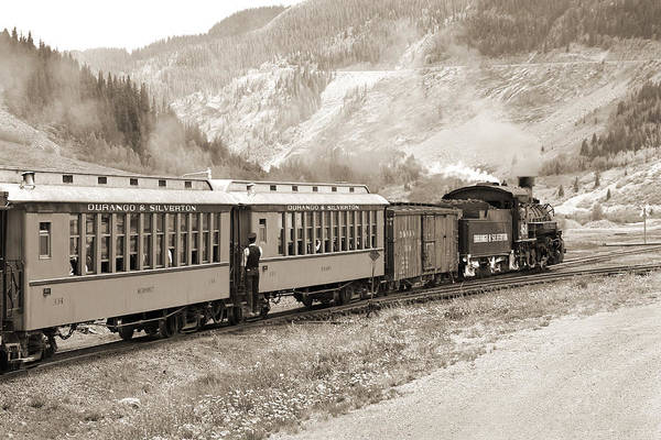 Wall Art - Photograph - The D And S Into The Mountains by Mike McGlothlen