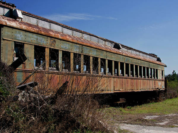 Sandra Anderson Wall Art - Photograph - The End Of The Line by Sandra Anderson