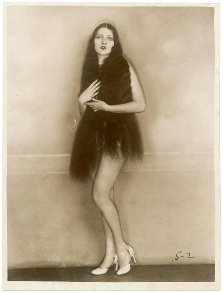 Wall Art - Photograph - The Extremely Long Dark Hair  Of Miss by Mary Evans Picture Library