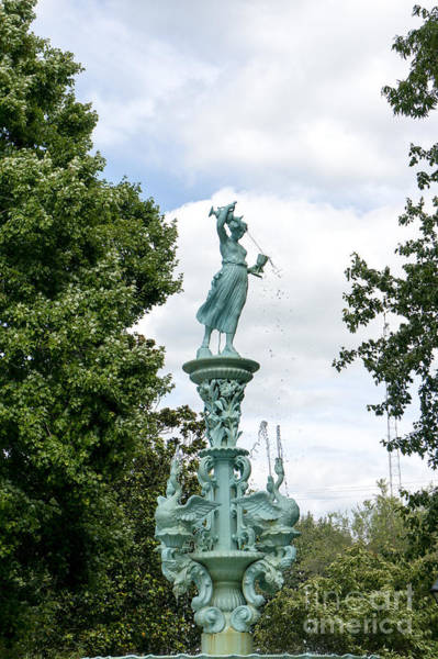 Photograph - The Fountain In Fountain Park In Chestertown Maryland by William Kuta