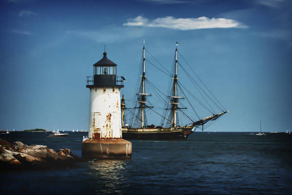 Photograph - The Friendship Returns To Salem Harbor by Jeff Folger