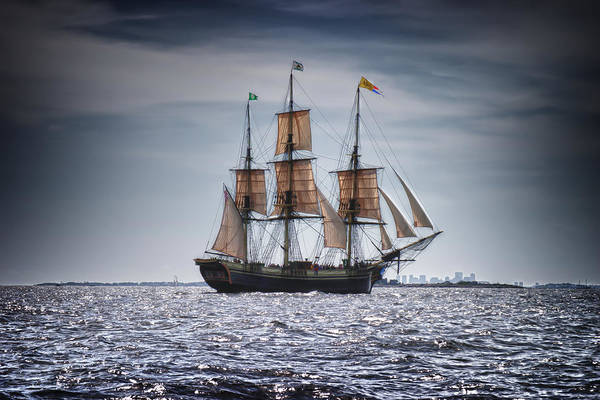 Photograph - The Friendship Sails With Boston In View by Jeff Folger