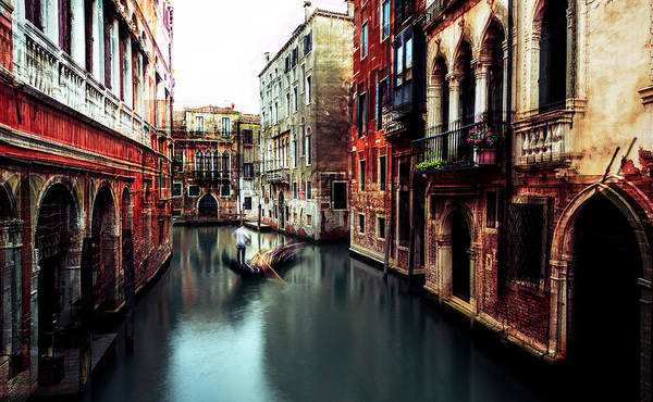 Venice Wall Art - Photograph - The Gondolier by Carmine Chiriaco'