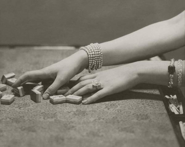 Body Part Photograph - The Hands Of Ilka Chase by Edward Steichen