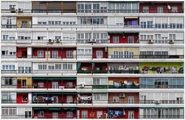 Balcony Photograph - The Hive by Alfonso Novillo