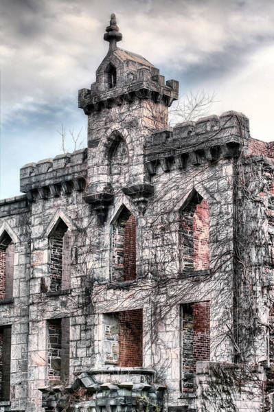 Roosevelt Island Wall Art - Photograph - The Hospital by JC Findley