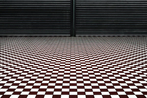 Wall Art - Photograph - The Hypnotic Floor by Gilbert Claes