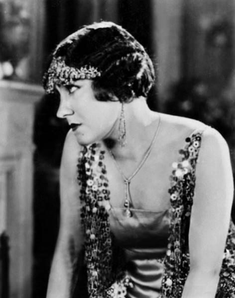 Gloria Swanson Photograph - The Impossible Mrs. Bellew, Gloria by Everett