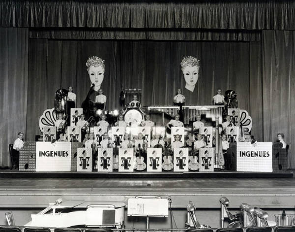 Photograph - The Ingenues Jazz Band by Underwood Archives