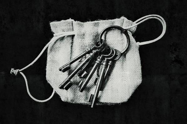 Liquify Photograph - The Keys by Marco Oliveira