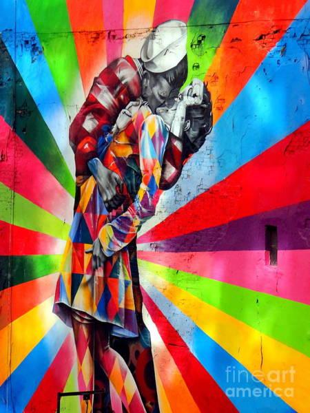 Wall Art - Photograph - The Kiss by Ed Weidman