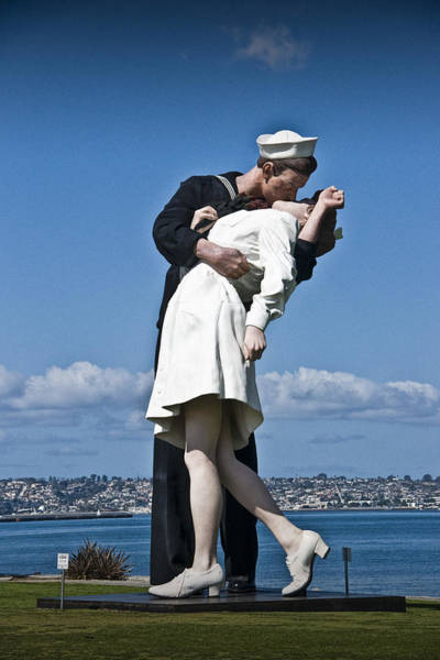 Photograph - The Kiss by Randall Nyhof