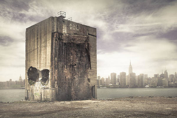 Photograph - Apocalypse Brooklyn Waterfront - Brooklyn Ruins And New York Skyline by Gary Heller