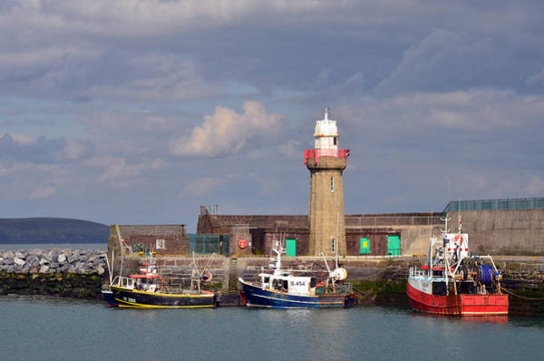 Dunmore East Photograph - The Light-house by Richard Ryan