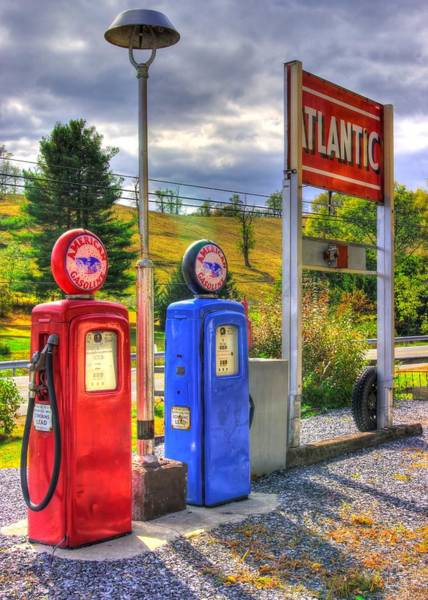 Wall Art - Photograph - The Lincoln Highway In Bedford County Pa - Filling Station No. 3 by Michael Mazaika