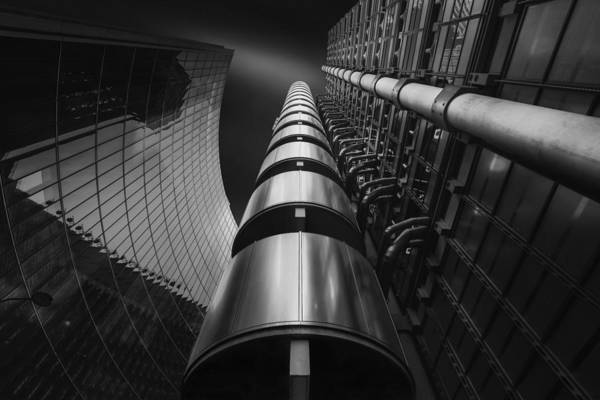 Wall Art - Photograph - The Lloyds Experience by Oscar Lopez
