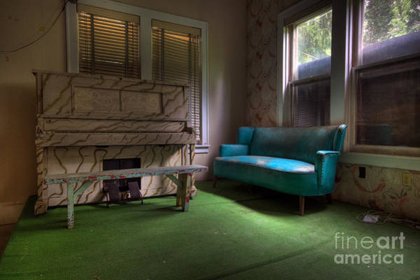 Photograph - The Lounge by Rick Kuperberg Sr
