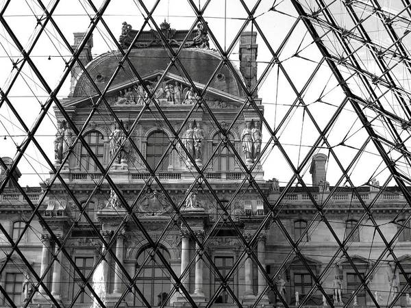 Autobus Photograph - The Louvre Thru The Pyramid by Scott Carda